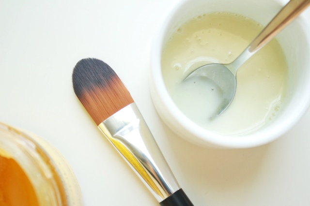DIY Yogurt & Honey Mask